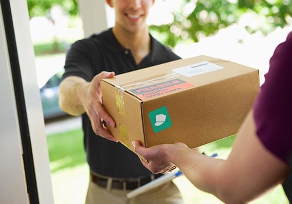 Compras online, e-commerce. Fretes pelos Correios ou Transportadora